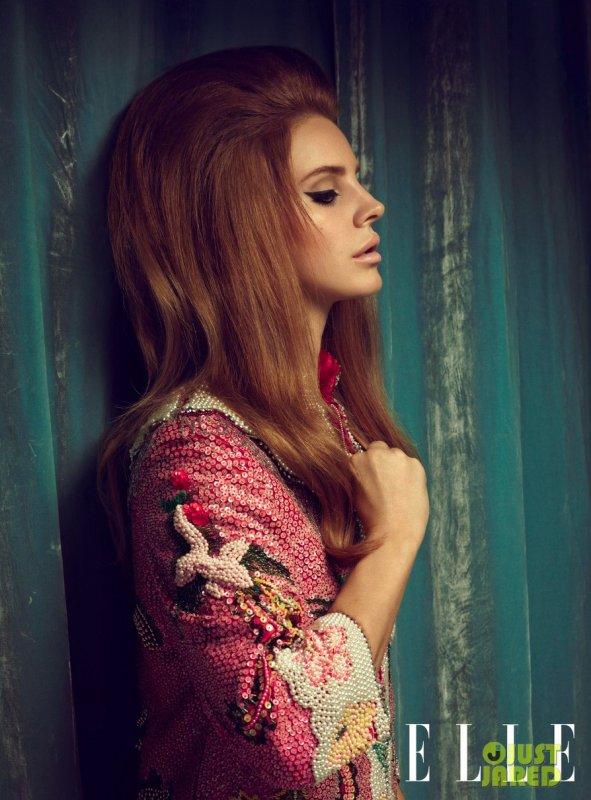 Lana Del Rey pose pour ELLE.