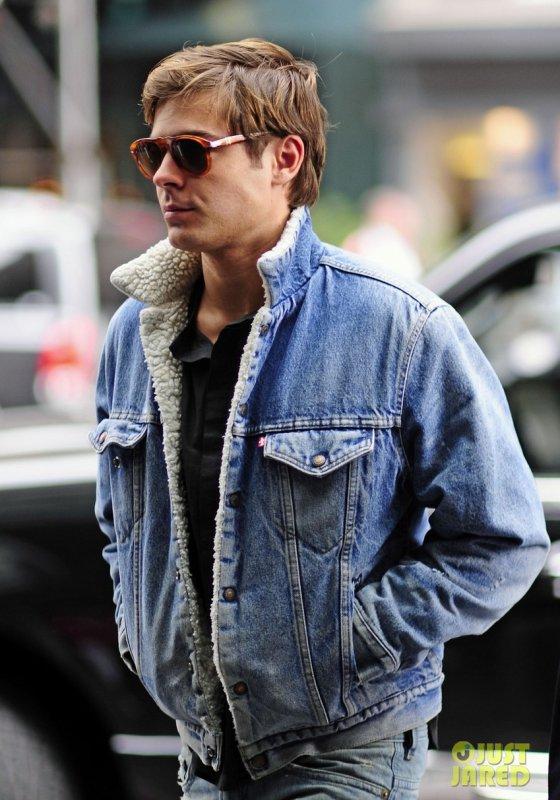 Zac Efron de sortie.