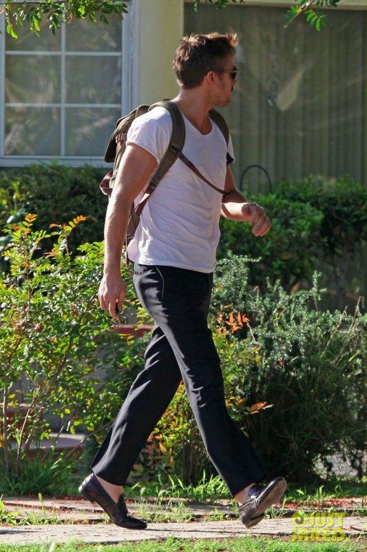 Ryan Gosling de sortie. Toluca Lake, Californie