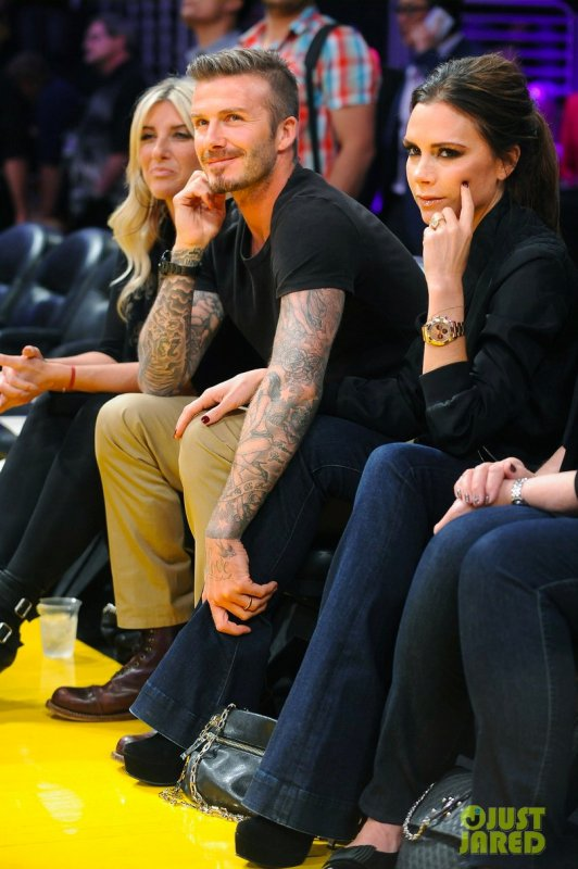 Les Beckham à un match des Lakers. Los Angeles