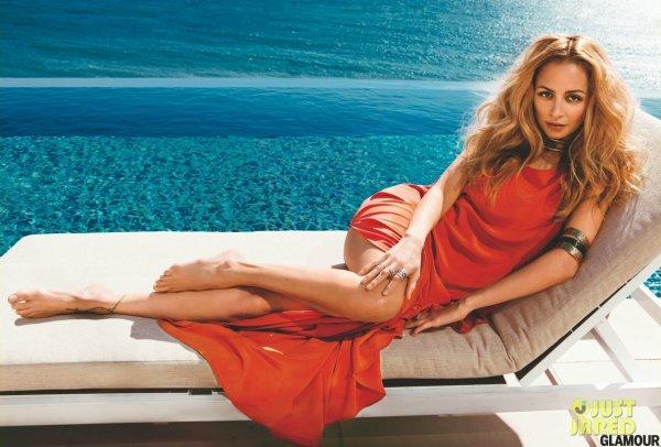 Nicole Richie pose pour Glamour.