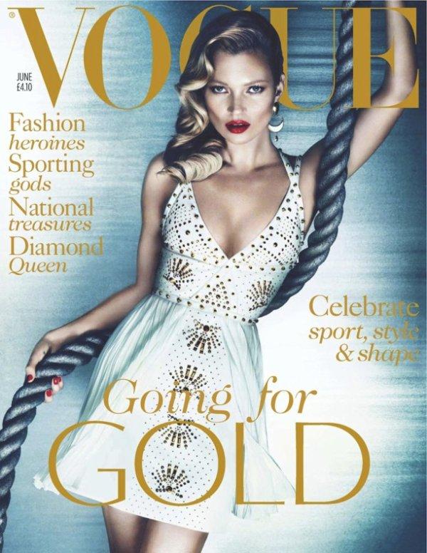 Kate Moss pose pour le Vogue UK.