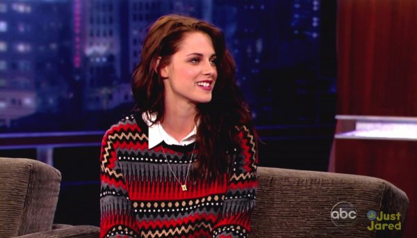 Kristen Stewart sur le plateau de Jimmy Kimmel.