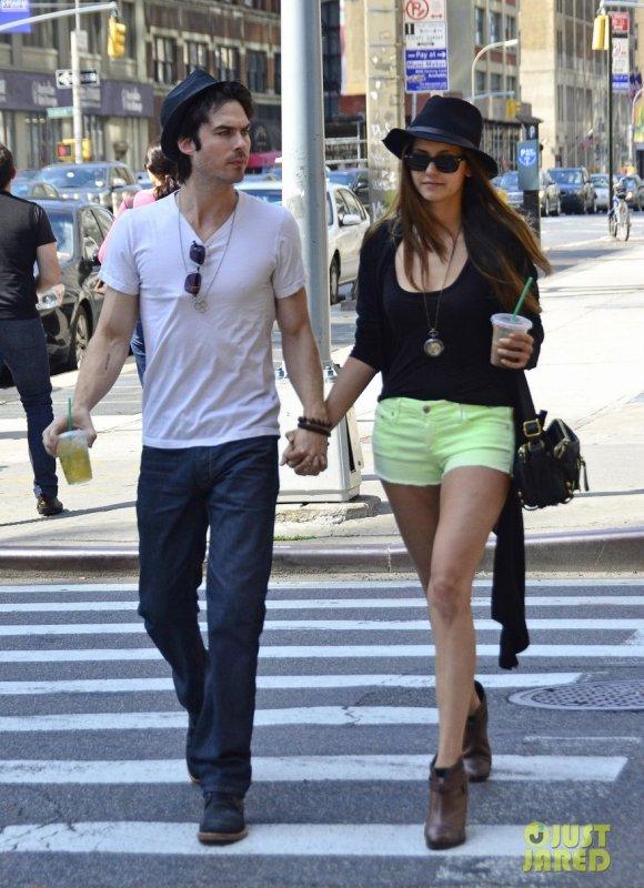 Ian Somerhalder et Nina Dobrev de sortie. New York