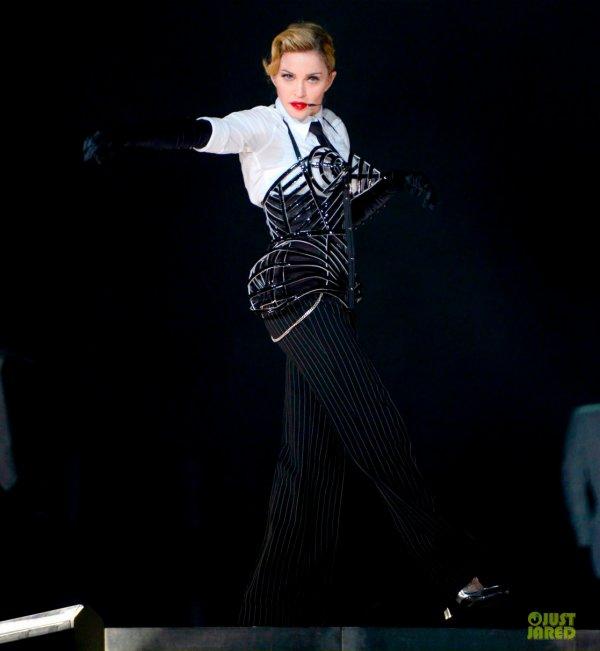 Madonna en JP Gaultier sur sa tournée MDNA.