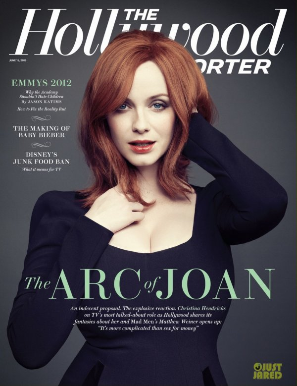 Christina Hendricks pose pour The Hollywood Reporter.