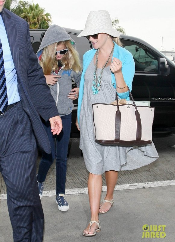 Reese Witherspoon à l'aéroport LAX. Los Angeles