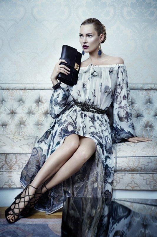 Kate Moss pose pour Salvatore Ferragamo. automne / hiver 2012-2013