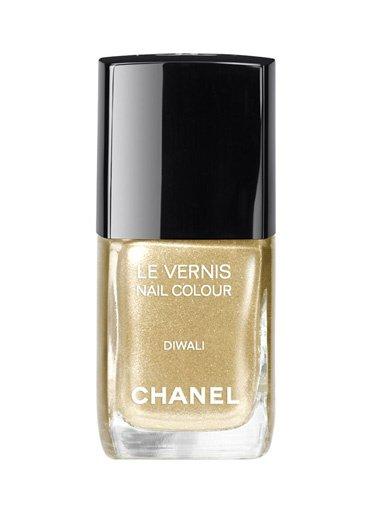 Diwali, vernis précieux signé Chanel. source : Vogue.fr