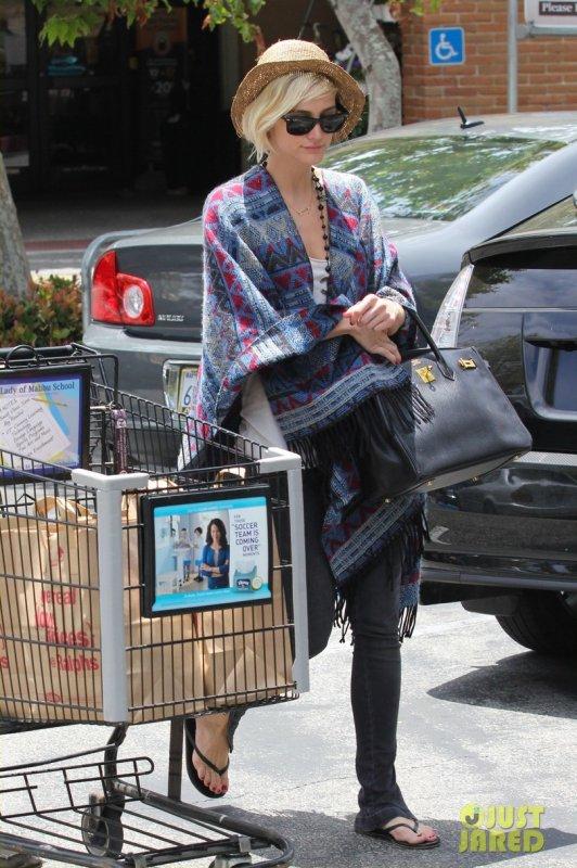 Ashlee Simpson fait des courses. Los Angeles
