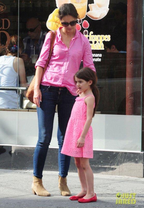 Katie Holmes de sortie avec sa fille. New York