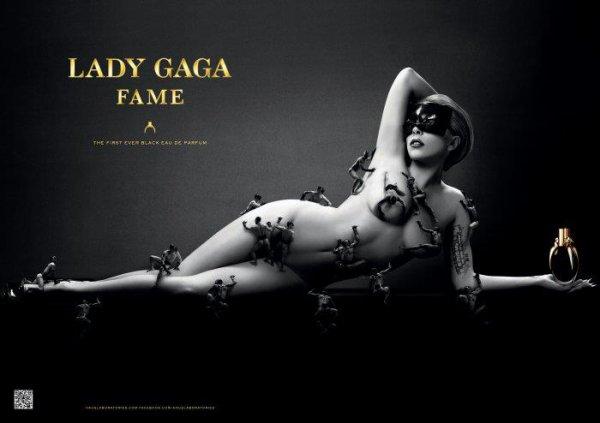 Lady Gaga pose pour son parfum Fame.
