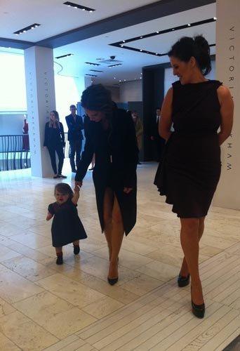 Victoria Beckham et sa fille (l)