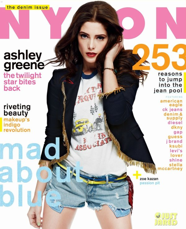 Ashley Greene pose pour Nylon.