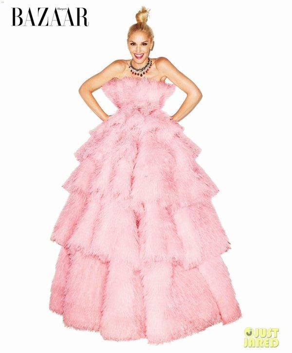 Gwen Stefani pose pour Harper's Bazaar.