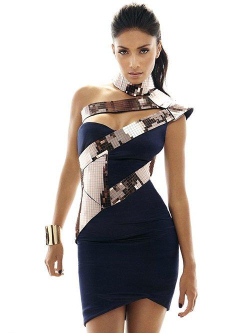 Nicole Scherzinger pose pour Cosmopolitan.