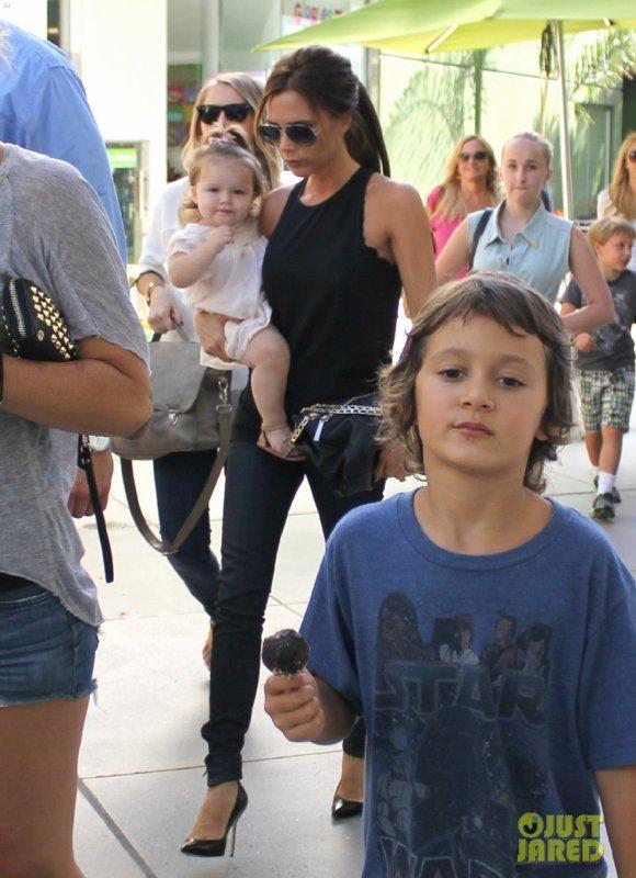 Victoria Beckham de sortie. Century City, Californie