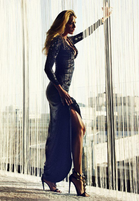 Blake Lively pose pour Marie Claire.