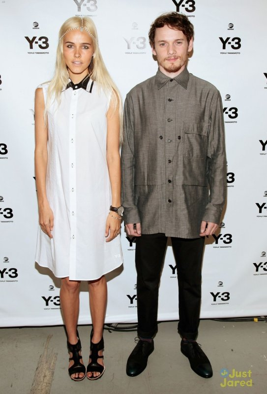 David Beckham et Isabel Lucas à un évènement à New York. Y-3 10th Anniversary Collection
