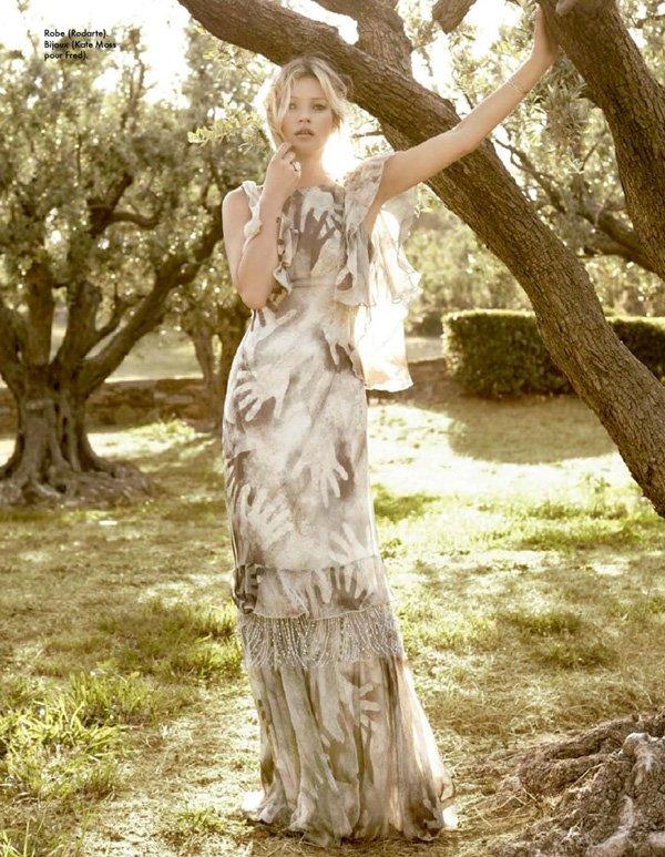 Kate Moss pose pour ELLE.