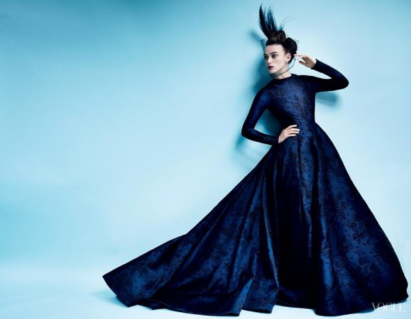 Keira Knightley pose pour Vogue.