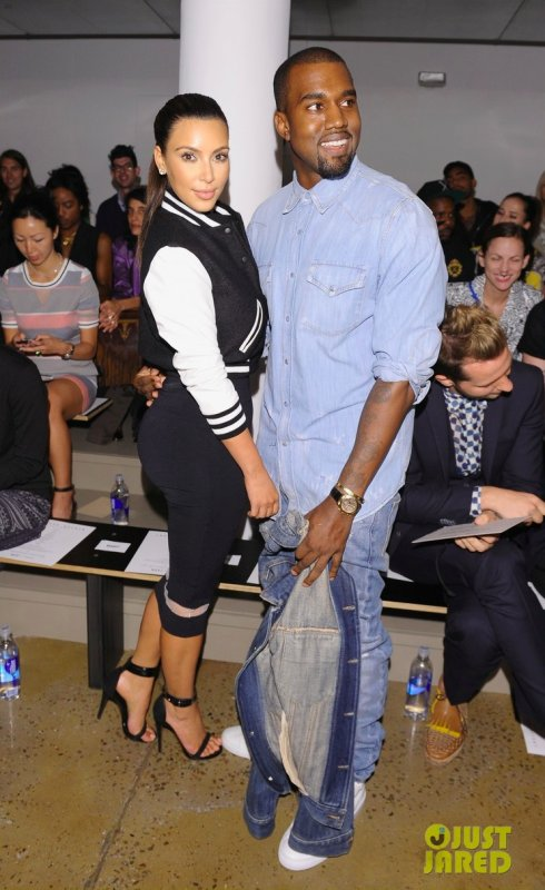 Kim Kardashian et Kanye West au défilé Louise Goldin. New York