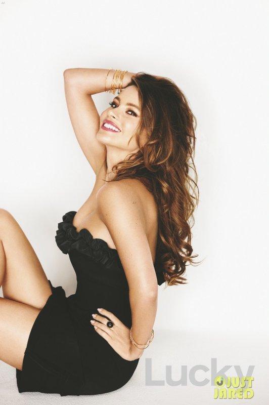 Sofia Vergara pose pour Lucky magazine.