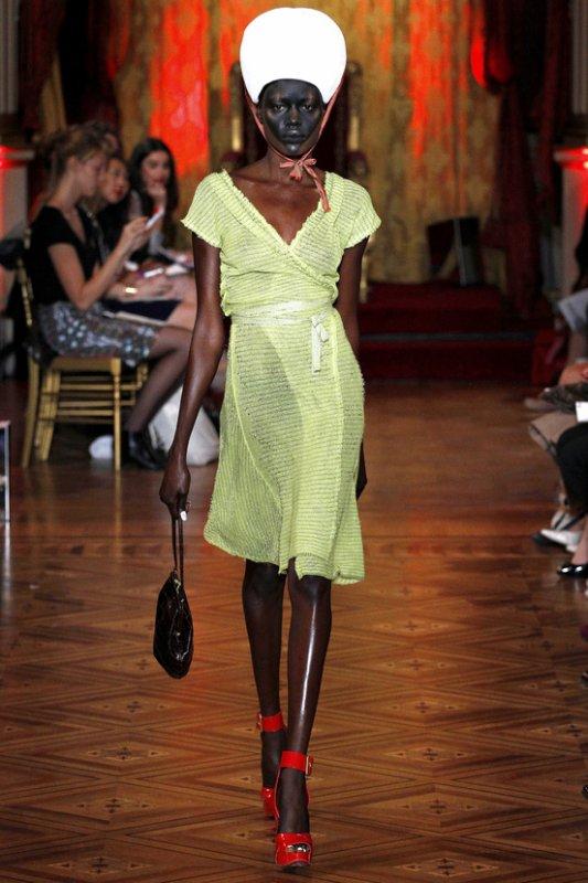 DÉFILÉS PRÊT-À-PORTER PRINTEMPS/ÉTÉ 2013  Vivienne Westwood