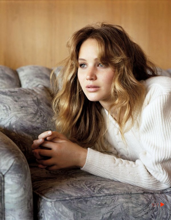 Jennifer Lawrence pose pour Vogue.