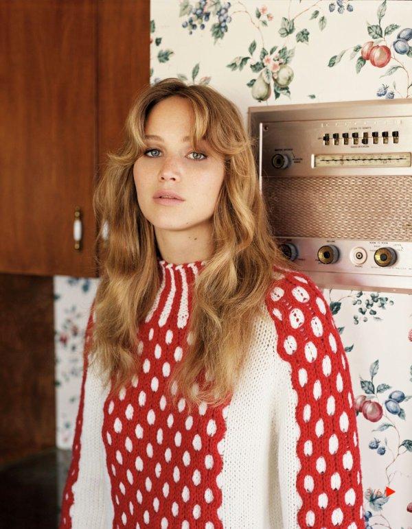 Jennifer Lawrence pose pour Vogue.