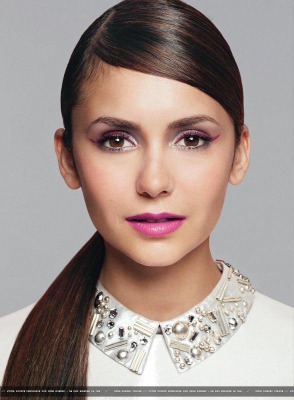 Nina Dobrev pose pour Glamour.