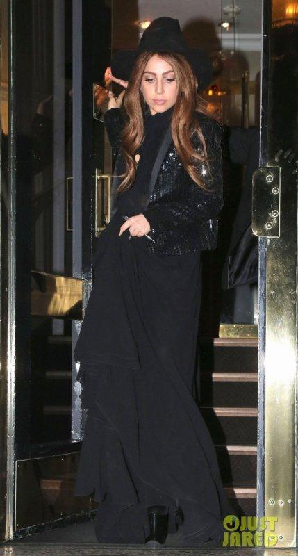 Lady Gaga à des évènements pour le lancement de son parfum.