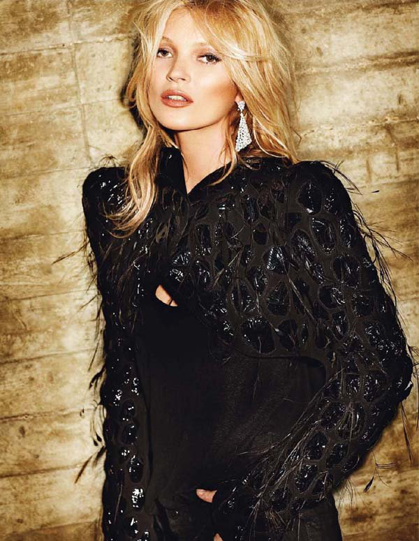 Kate Moss pose pour Vogue.