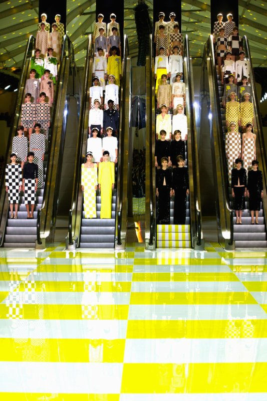 DÉFILÉS PRÊT-À-PORTER PRINTEMPS/ÉTÉ 2013  Louis Vuitton