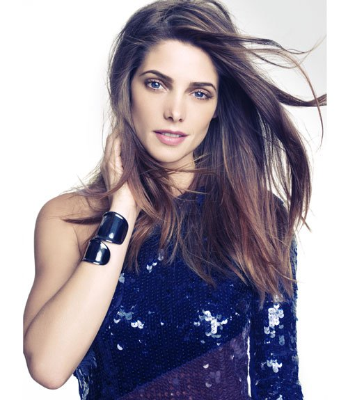 Ashley Greene pose pour Marie Claire.