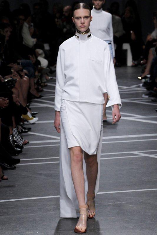 DÉFILÉS PRÊT-À-PORTER PRINTEMPS/ÉTÉ 2013  Givenchy