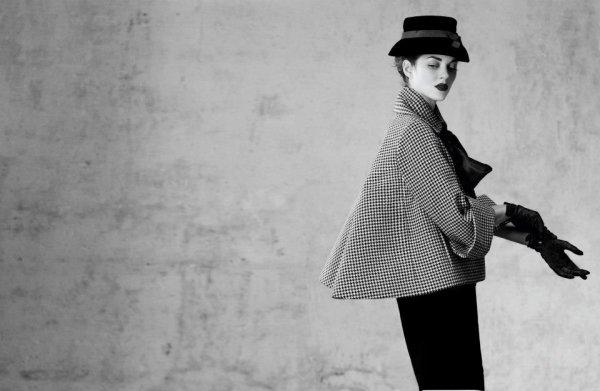 Marion Cotillard pose pour Dior.