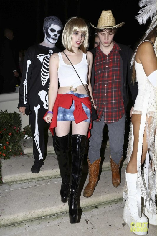 Halloween  Emma Roberts