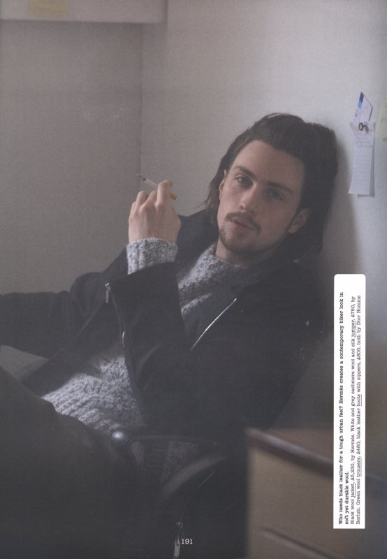 Aaron Taylor-Johnson pose pour Esquire.