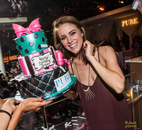 Jessica Stroup à une soirée pour son anniversaire. Las Vegas