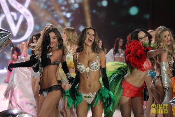 Victoria's Secret Fashion Show 2012  Alessandra Ambrosio & Adriana Lima