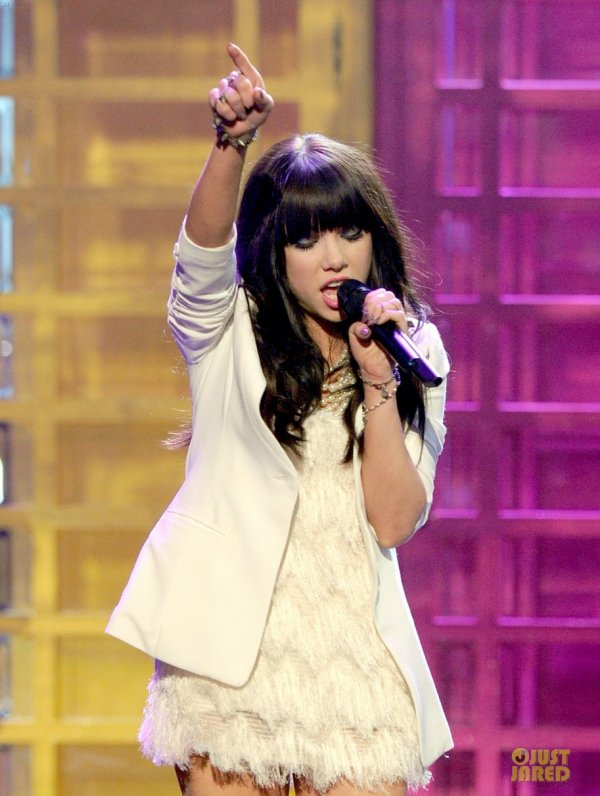 American Music Awards 2012  Carly Rae Jepsen