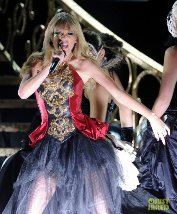American Music Awards 2012  Taylor Swift