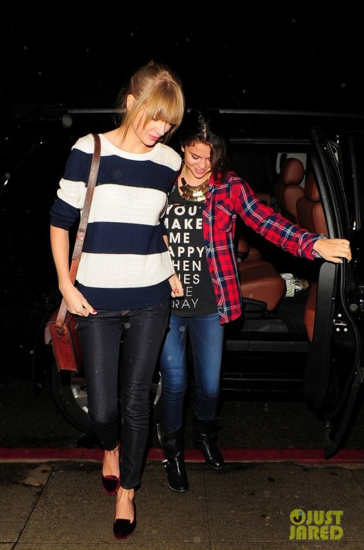 Taylor Swift et Selena Gomez de sortie. Los Angeles