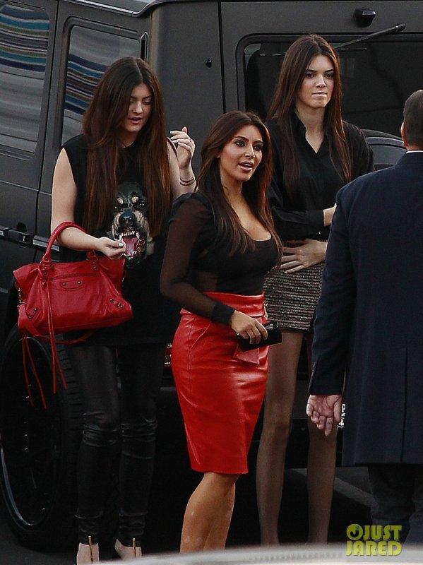 Kim Kardashian va au restaurant. Beverly Hills, Californie