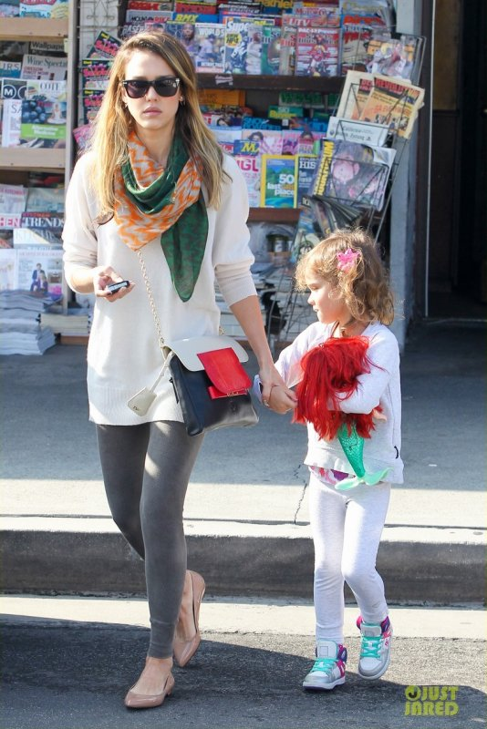 Jessica Alba de sortie avec sa fille. West Hollywood, Californie