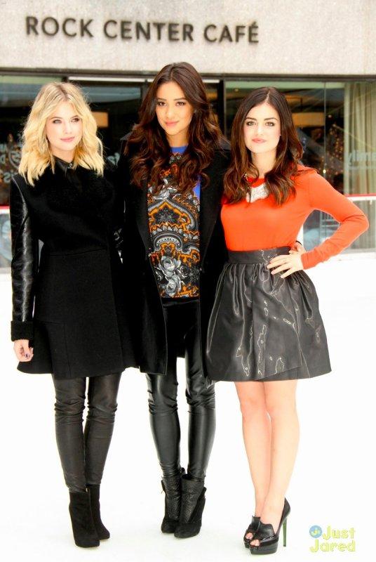 Les actrices de Pretty Little Liars à un évènement.