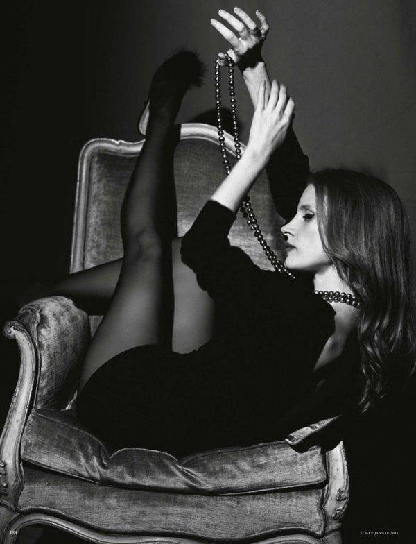Jessica Chastain pose pour le Vogue Allemand.