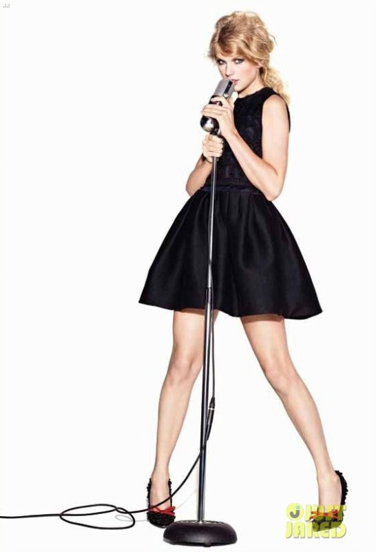 Taylor Swift pose pour Cover Girl.