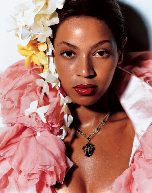 Beyonce pose pour V magazine.